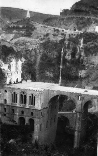Plazoleta del templo en las lajas