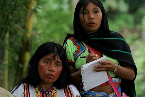 Integrantes grupo indígena Los Coconucos - Fotografía tomada de Internet.